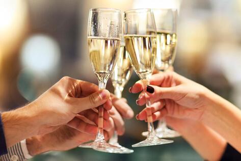https://rhodeislandbaskets.com/media/holidays/Shavuot/IMG_Champagne.jpg